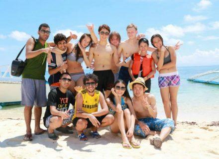 s_schooltrip-beach (1)